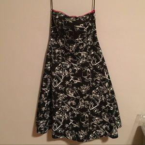 Ruby Rox Retro-Design Strapless Dress